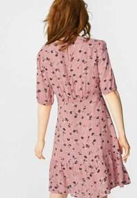 C&A - FLARE - Day dress - coral - 1