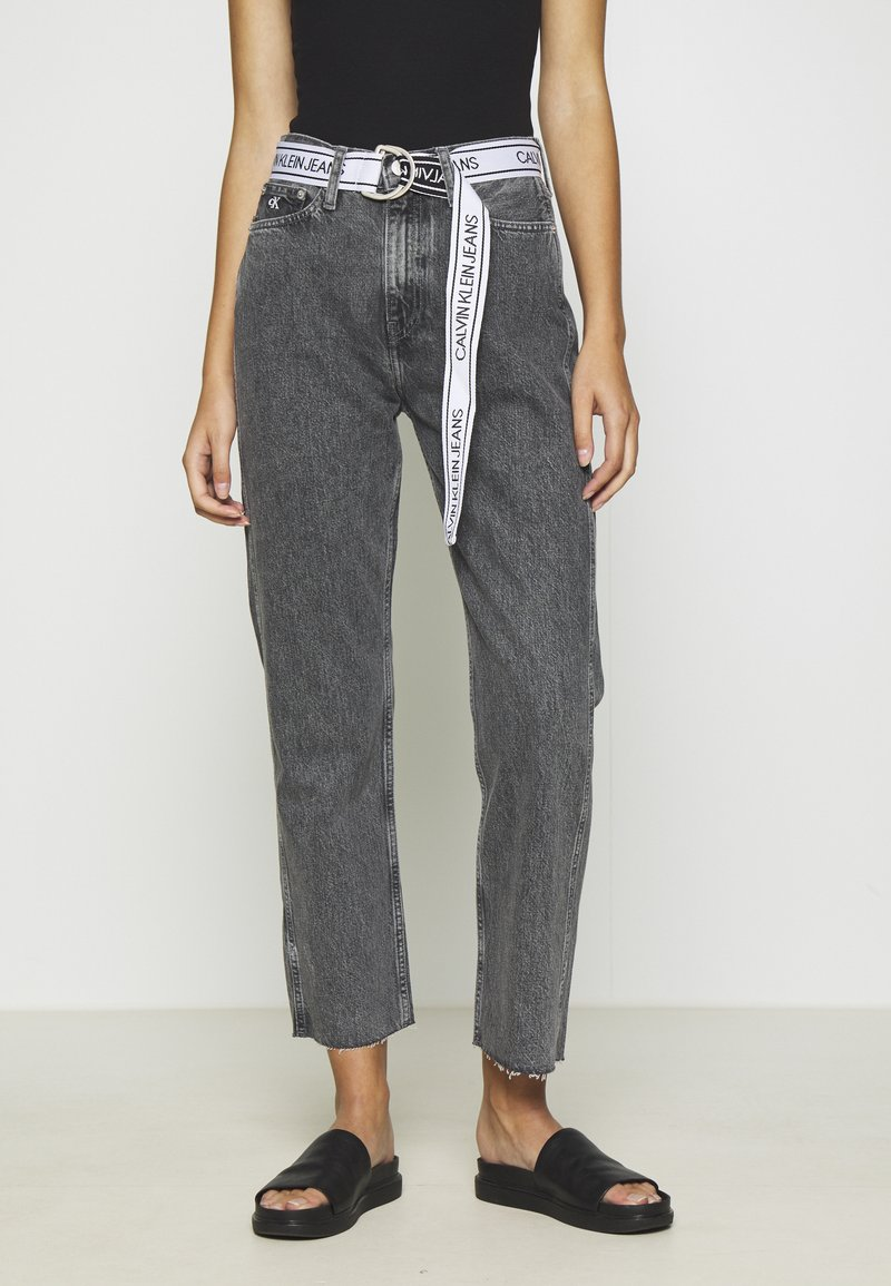 Calvin Klein Jeans - HIGH RISE STRAIGHT ANKLE - Jeans Straight Leg - grey denim