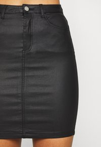 Missguided Tall - TALL COATED SUPERSTRETCH MINI SKIRT - Jupe crayon - black - 4