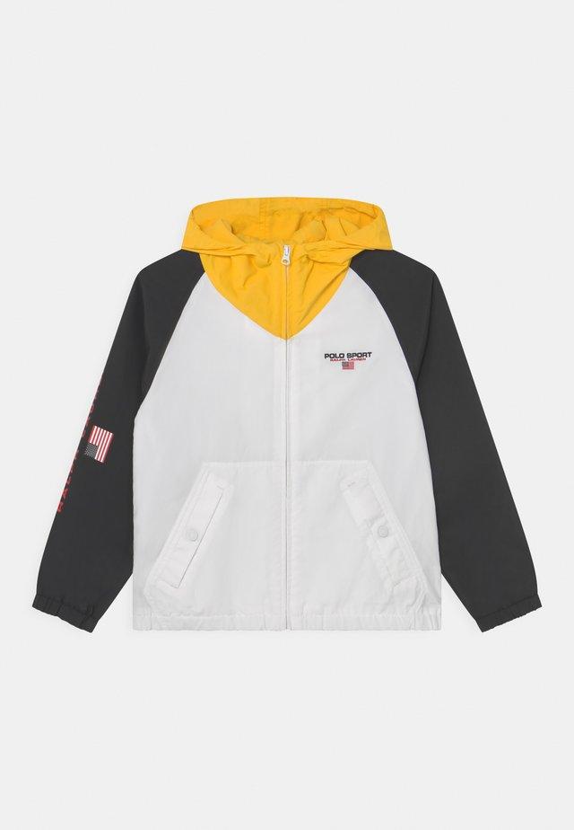 BUCKET OUTERWEAR - Sportovní bunda - polo black/multi