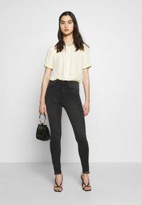 Joe's Jeans - THE CHARLIE ANKLE HAYWARD - Jeans Skinny Fit - black Denim - 1