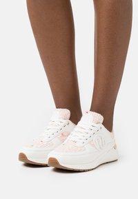 River Island - Sneakersy niskie - cream - 0