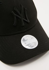 New Era - WOMENS TONAL 9FORTY NEYYAN  - Kšiltovka - black - 4