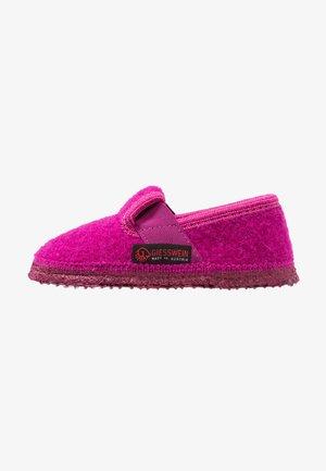 TÜRNBERG - Slippers - pink