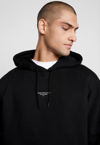 Good For Nothing - ESSENTIAL HOODIE - Felpa con cappuccio - black - 5