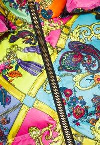 Versace Jeans Couture - Zimní bunda - rose wild orchid - 2