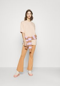 adidas Originals - TEE - T-shirt basique - halo blush