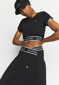 Calvin Klein Performance - Print T-shirt - black - 3