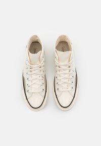 Converse - CHUCK 70 UNISEX - Sneakers alte - egret/light field surplus/string - 3
