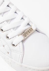 Guess - GLADISS - Sneakers basse - white - 2
