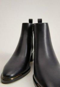 Mango - MINUTE - Classic ankle boots - schwarz - 4