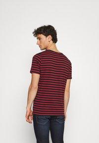 Matinique - JERMANE - Print T-shirt - poinciana - 2