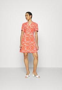 Calvin Klein - SHORT DRESS - Day dress - fiesta/ecru - 0