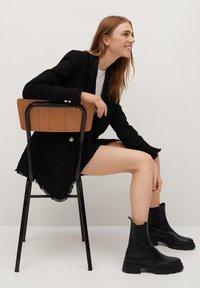Mango - HARRIET - Mini skirts  - zwart - 4