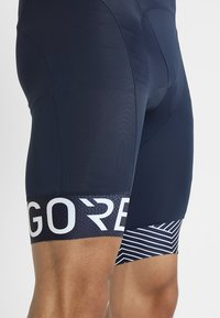 Gore Wear - C5 OPTILINE KURZE TRÄGERHOSE - Tights - marine blue/white - 4