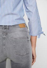 edc by Esprit - SKINNY - Jeans Skinny Fit - grey light wash - 3