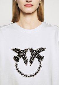 Pinko - NELLY MAGLIA FELPA DIAGONALE - Sweatshirt - white - 4