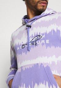 adidas Originals - HOODY UNISEX - Sweatshirt - light purple/multicolor - 3