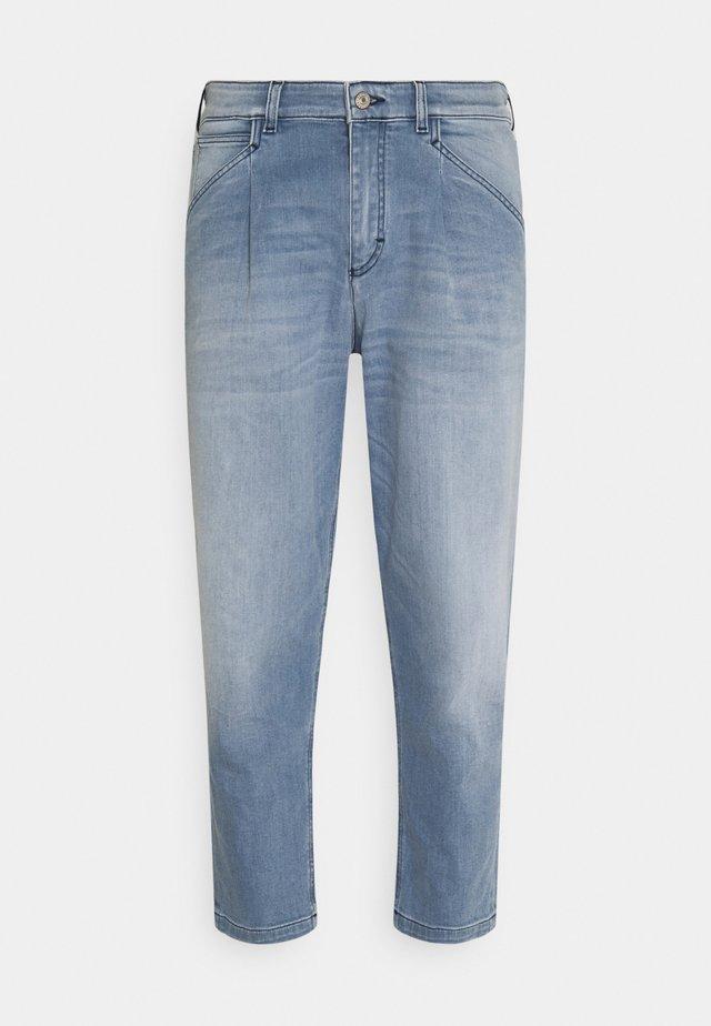 KENN - Jeans baggy - light blue