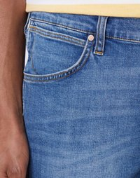 Wrangler - 5 PKT SHORT - Szorty jeansowe - light fever - 3
