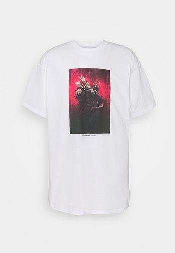 BOUQUET - Print T-shirt - white