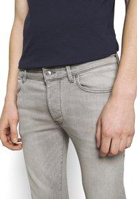 DRYKORN - JAZ - Jeans Skinny Fit - grey - 6