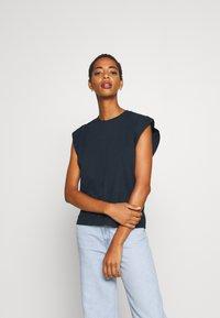 Trendyol - Basic T-shirt - navy - 0