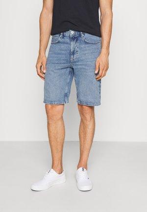DYLAN - Denim shorts - middle blue denim