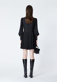The Kooples - À DÉTAIL PLISSÉ - Day dress - black - 2