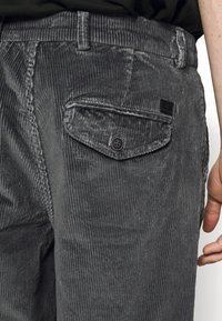 Jack & Jones - JJIACE - Trousers - asphalt - 4