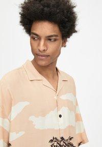 PULL&BEAR - Shirt - off-white - 4