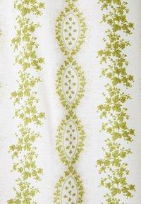 Cream - OLINA PANT - Pantalon classique - green stripe wallpaper - 2