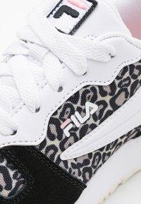 Fila - RETROQUE JR - Sneaker low - black - 5