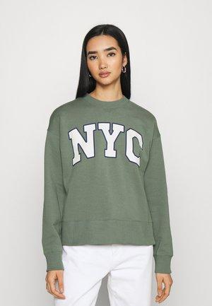 NYC College Print Loose Sweatshirt - Sweatshirts - green