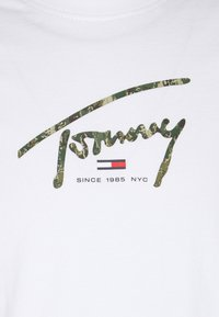 Tommy Jeans - HAND WRITTEN LINEAR LOGO TEE - T-shirt con stampa - white - 2