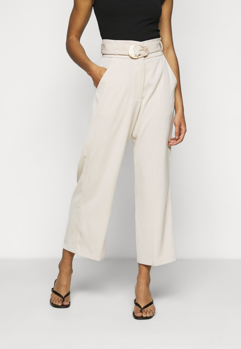 Fashion Union Petite - ELLORA TROUSER - Trousers - cream