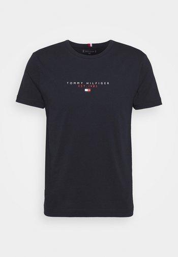 ESSENTIAL - T-shirt med print - desert sky