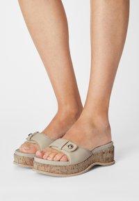 rag & bone - SOMMER - Pantofle na podpatku - oystergrey - 0