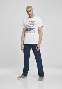Southpole - SOUTHPOLE HERREN SOUTHPOLE URBAN ACTIVE TEE - T-shirt con stampa - white - 1