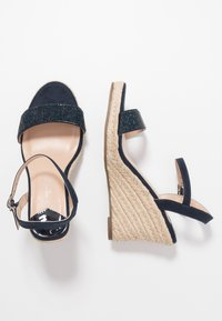Dorothy Perkins Wide Fit - WIDE FIT RAA-RAA EMBELLISHED VAMP WEDGE - High heeled sandals - navy - 3