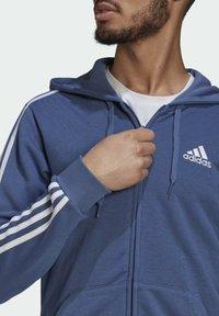adidas Performance - M 3S FT FZ HD - Tröja med dragkedja - blue - 4