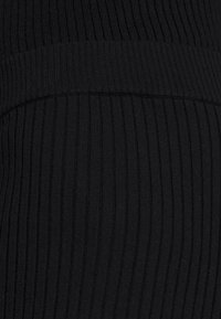 4th & Reckless - AUBREY TROUSER - Kalhoty - black - 5