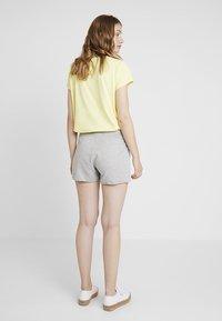 GAP - RETRO - Shorts - grey heather - 2
