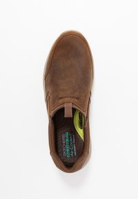 Skechers - EXPENDED - Półbuty wsuwane - dark brown - 1
