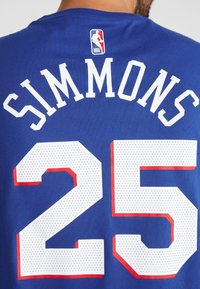 Nike Performance - NBA PHILADELPHIA 76ERS BEN SIMMONS NAME NUMBER TEE - Print T-shirt - rush blue - 4