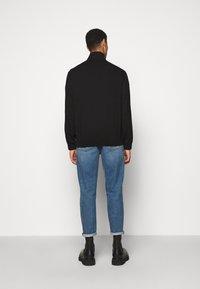 Han Kjøbenhavn - TRACK - Cardigan - black - 2