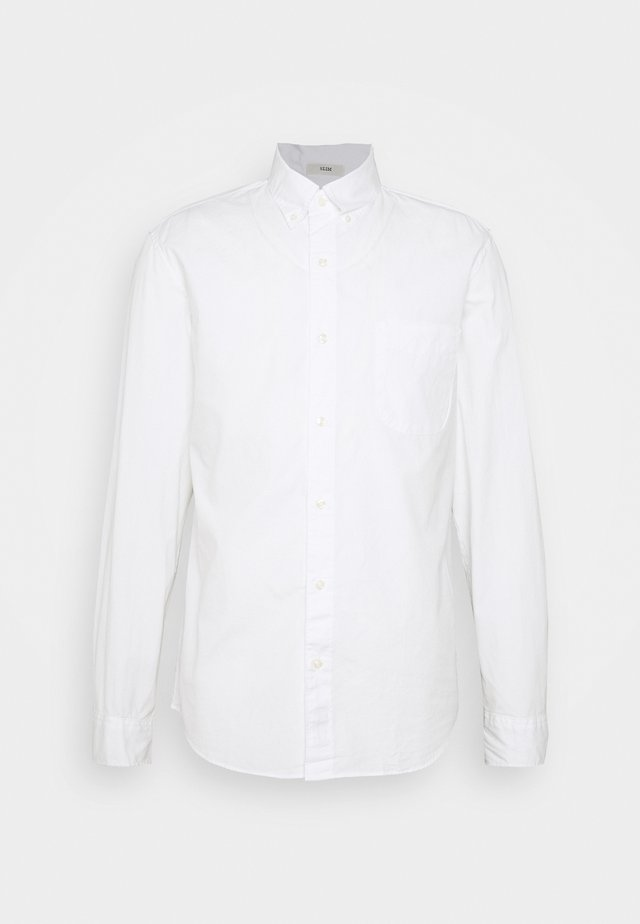 SLIM ORGANIC WASHED SOLID - Shirt - white