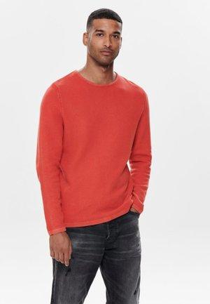 ONSHUGH - Stickad tröja - aura orange
