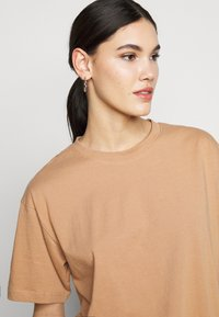 Missguided Tall - LIMEDROP SHOULDER OVERSIZED 2 PACK - Jednoduché triko - black/camel - 4