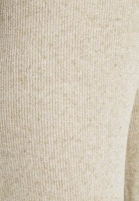 ONLY - ONLLINA CULOTTE PANT - Bukse - pumice stone - 4